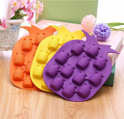 PS Mall 可愛水果鳳梨造型冰塊模具 製冰盒 冰格模具 冰塊盒 製冰器【J160】
