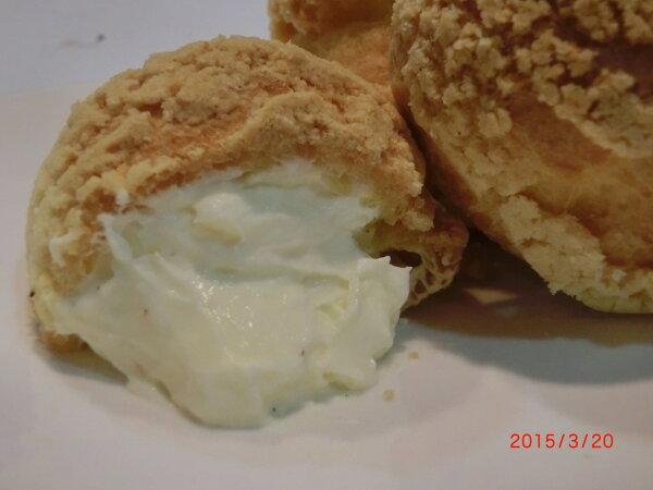 【戚風國度bite me】牛奶泡芙  酥脆餅乾外殼,散發著奶油的香氣,紐西蘭進口奶油製成如冰淇淋般的內餡。 [團購、伴手禮首選]