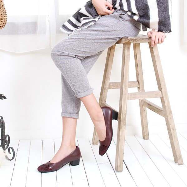 Gabor 鑽飾寬楦優雅低跟鞋 酒紅 1