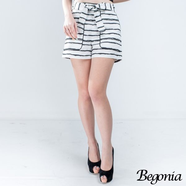 Begonia 配色條紋大口袋綁帶短褲 - 限時優惠好康折扣