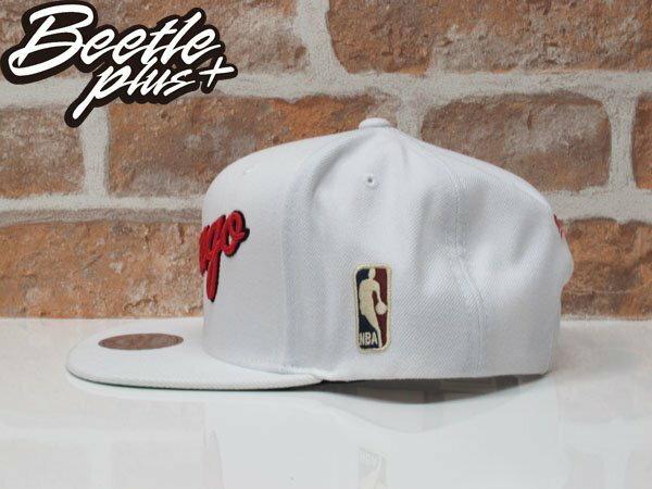 BEETLE MITCHELL&NESS NBA CHICAGO BULLS JORDAN  芝加哥 公牛 喬丹 白紅 草寫 LOGO SNAPBACK 後扣棒球帽 1