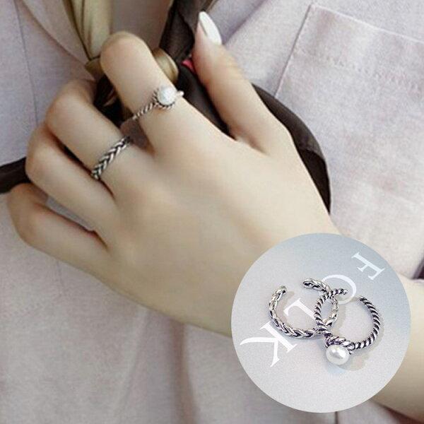 77美妝:白色雙麻花戒指2件組戒指MISJ2417