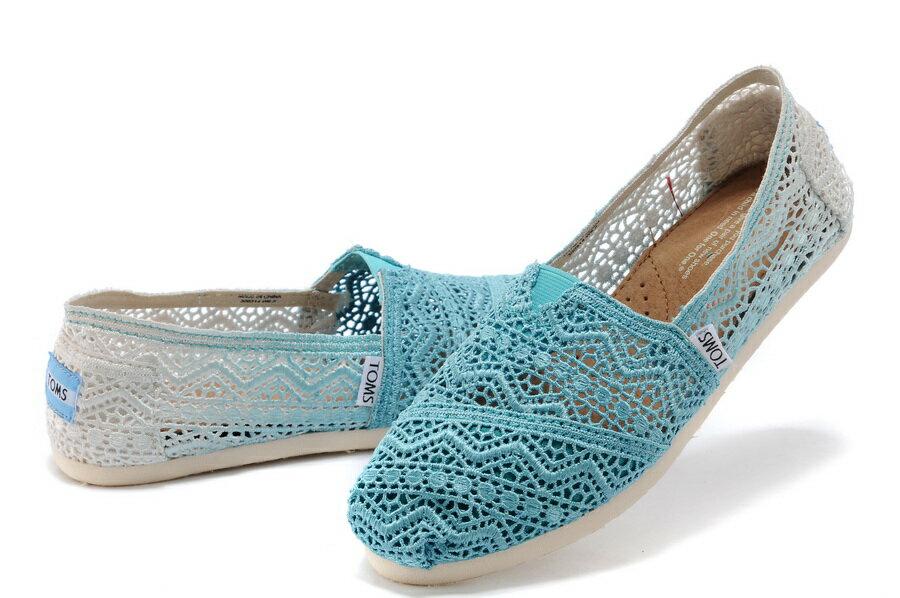 【TOMS】藍色漸層蕾絲平底休閒鞋  Zig Zag Crochet Baltic Dip-Dyed Women's Classics 4