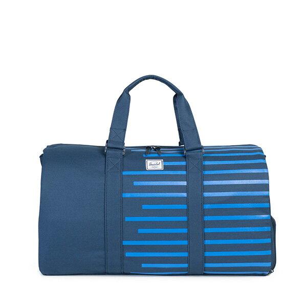 【EST】HERSCHEL NOVEL 圓筒 多功能 鞋箱 手提袋 旅行包 OFFSET系列 條紋 藍 [HS-0026-A42] G0414 0