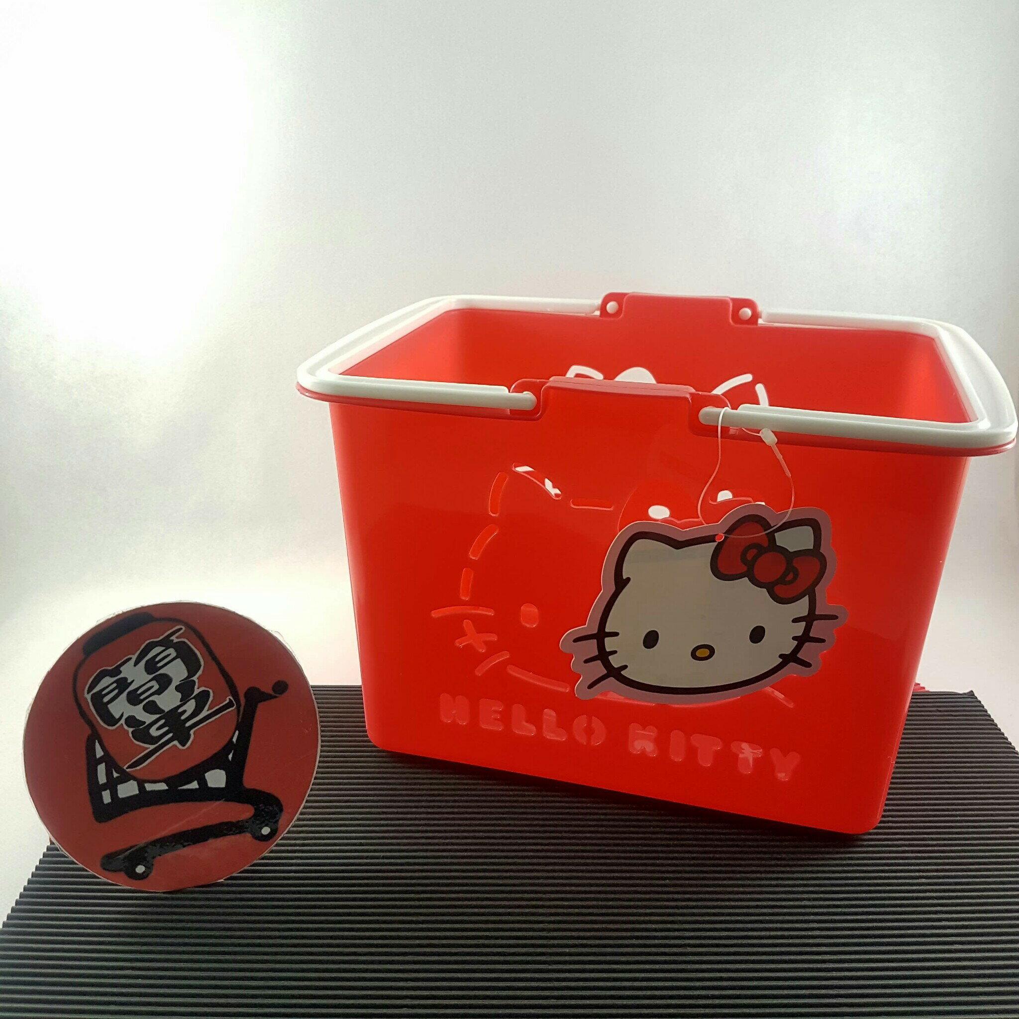 『簡?全球購』三麗鷗 HELLO KITTY紅色小朋友玩具提籃 迷你菜籃 日本製