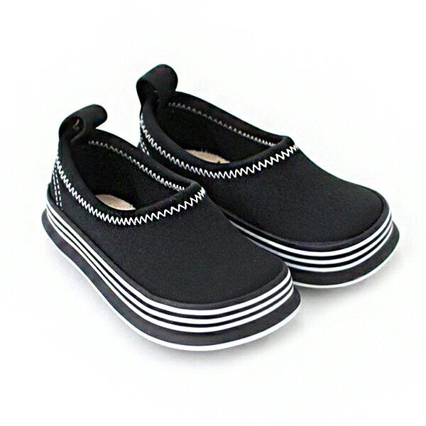 【限時57折】日本【Skippon】兒童休閒機能鞋〈百搭酷黑〉