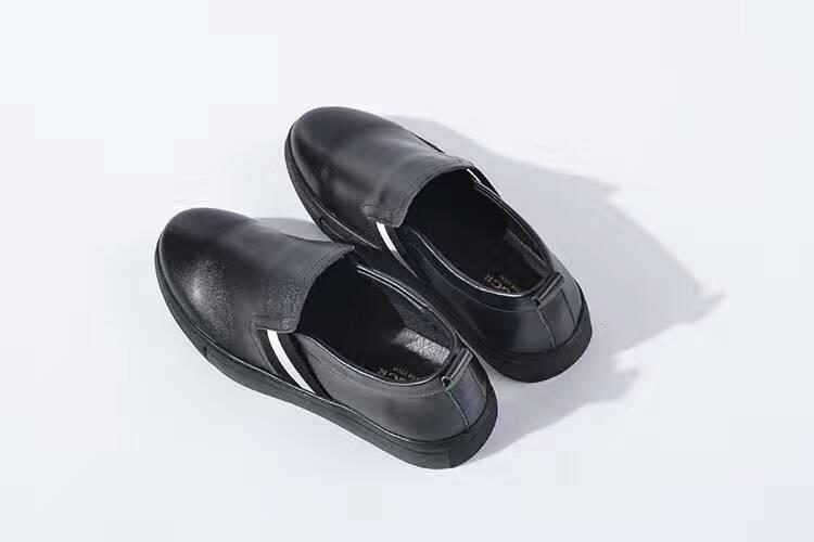 新休閑皮鞋男青英倫風黑色一腳蹬圓頭皮鞋低幫男鞋套腳1入