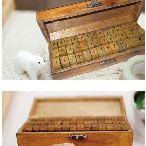 美麗大街【BF217E11E820】 Pimi&Rudo木製禮盒字母印章草體(42枚入小寫)