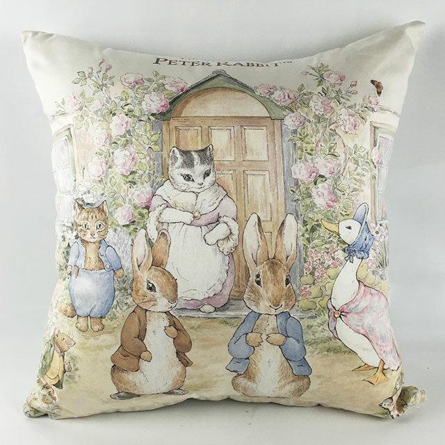 《Annie's Friends》Peter Rabbit 比得兔針織抱枕【比得兔世界】