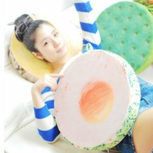美麗大街【105032003I】KUSO搞怪造型水果 木頭 輪胎 蛋黃...坐墊抱枕