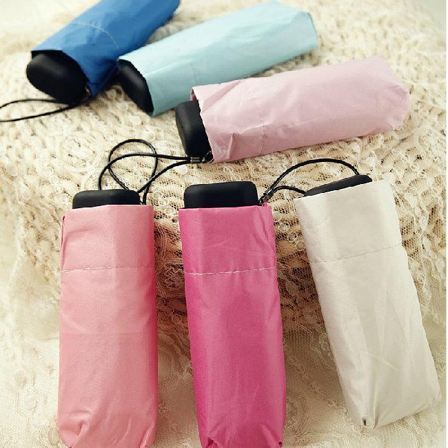 新品遮陽傘 晴雨傘 超輕扁形手機傘口袋傘黑膠防曬抗UV太陽傘 五折傘