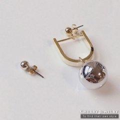 馬蹄造型垂墜球球造型耳環【10433】