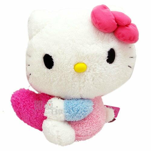 【唯愛日本】13121200017 KT抱桃心34cm景品娃 三麗鷗 Hello Kitty 凱蒂貓 抱枕 娃娃 日本景品