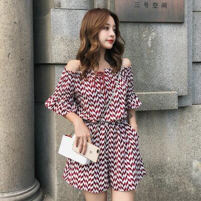 韓系女裝一字肩露肩格子雪紡連身短褲樂天時尚館。預購