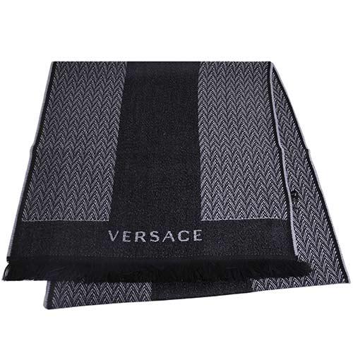 VERSACE 凡賽斯梅杜莎圖騰品牌字母LOGO人字紋高質感羊毛圍巾(黑/灰)