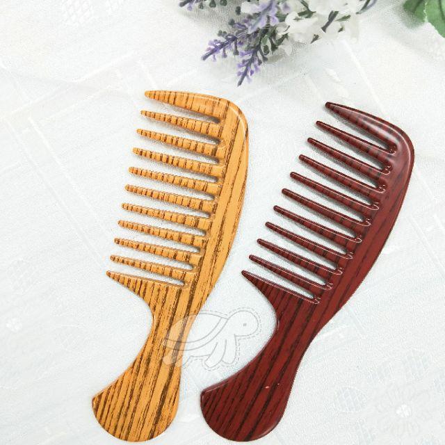 《大信百貨》簡約寬短木紋排梳 排梳 木梳 木紋梳 美髮梳 質感梳 攜帶梳子 方便攜帶