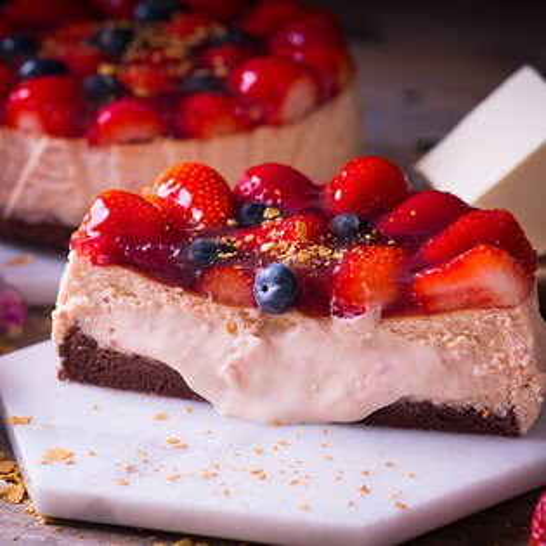 諾亞半熟蛋糕專門店:【感謝綜藝大熱門、上班這黨事節目介紹】節目美食:新鮮大湖高山草莓融心乳酪6吋!全台唯一會爆漿的草莓蛋糕~爆漿草莓乳酪蛋糕2017全新版:原價$550↘特價$400