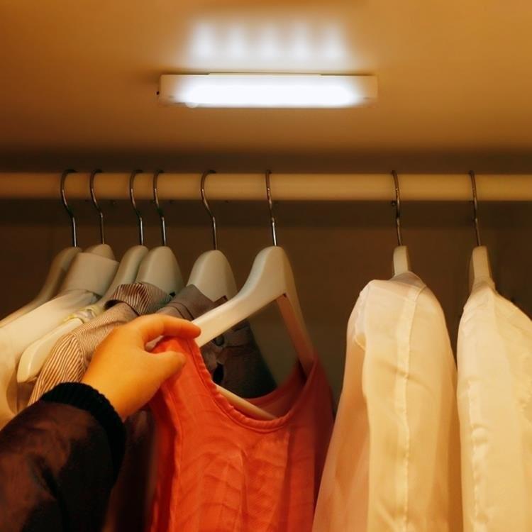 人體感應不插電小夜燈節能創意led床頭燈壁燈充電池衣櫃燈