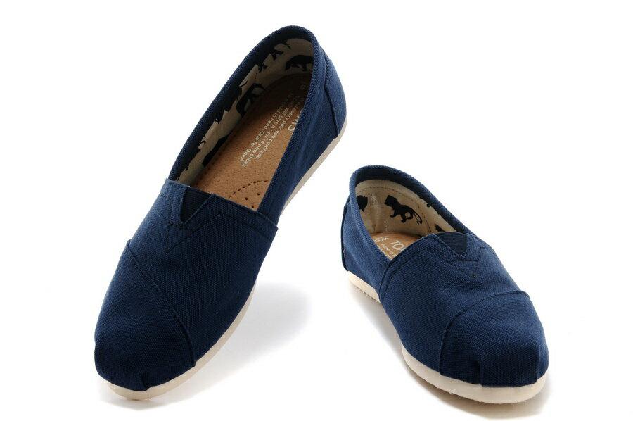 【TOMS】藍色素面基本款休閒鞋  Navy Canvas Women's Classics 3