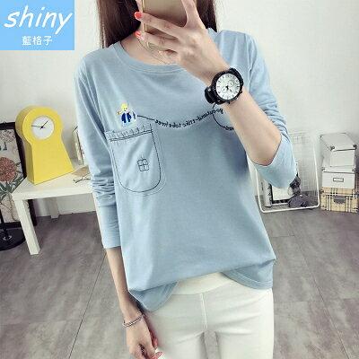 【V1234】shiny藍格子-簡單樂活.刺繡可愛圖案圓領長袖上衣