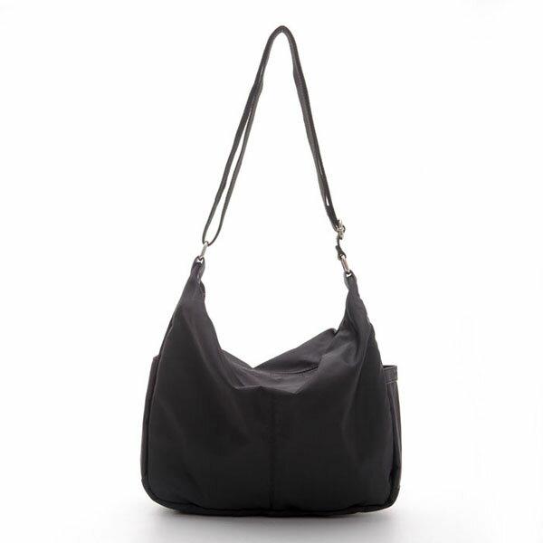 《ATTi TUDE》時尚經典側背包(黑色),側背包,13105-012001-9905,ATTi TUDE