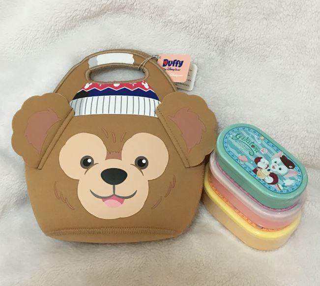 X射線【C230001】香港迪士尼代購- 達菲Duffy三入餐盒+大頭提袋,包包掛飾/便當盒/雪莉玫/達菲/畫家