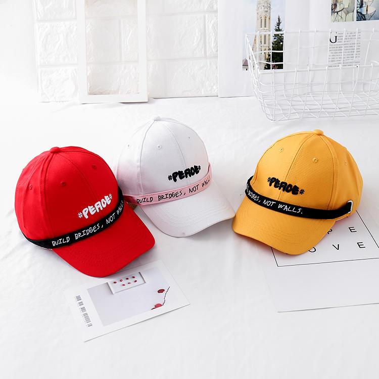 時尚潮人棒球帽男女學生棒球帽流行個性潮帽長帶子刺繡字母兒童帽1入