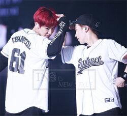 ☆ New Style ☆ 韓國天團 EXO 三巡 EXOPLANET 同款應援棒球衣 打歌服 短袖T恤 ( 預購 )
