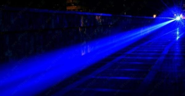 天降神兵 標示10000mw 藍光雷射筆 ~點火燒紙箱點香煙 可變焦可燃火柴香菸鞭炮金紙