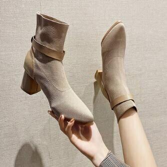粗跟短靴 靴子女中筒靴2021早秋款米色粗跟短靴英倫風中跟襪瘦瘦靴秋季百搭春季夏季 時尚學院