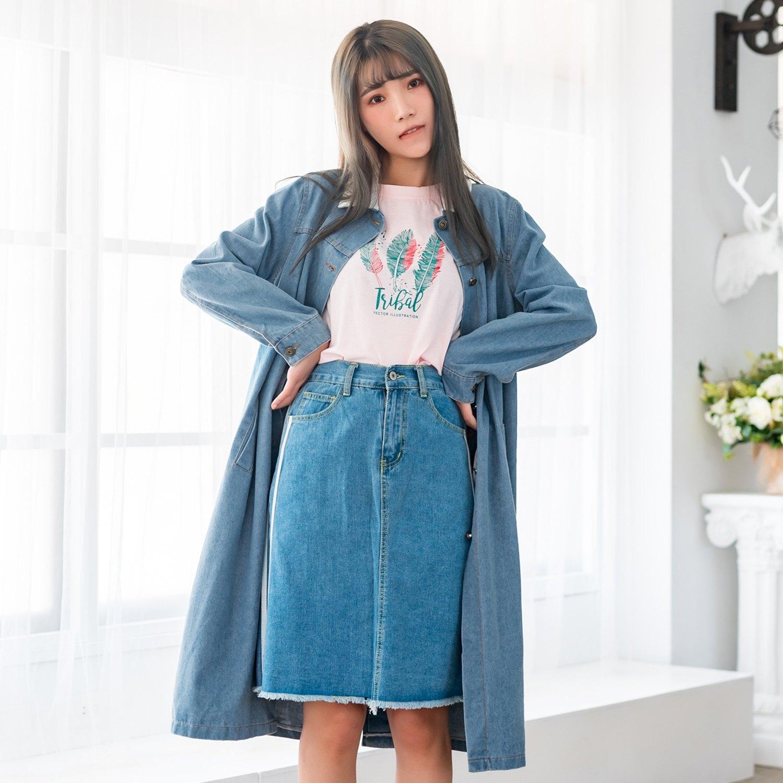大衣外套--知性優雅排扣口袋寬鬆長版加絨襯衫領長袖牛仔外套(藍L-4L)-J241眼圈熊中大尺碼 0