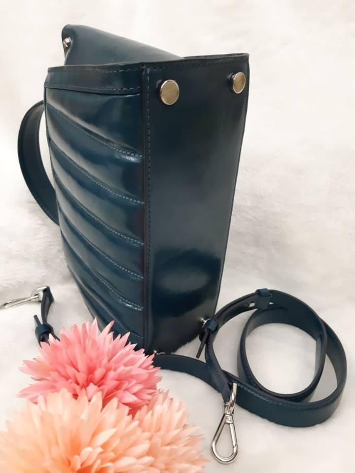 MK (專櫃款)羊皮土耳其藍蝴蝶-手提 /  肩 /  斜背包 2