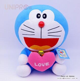 【UNIPRO】哆啦A夢Doraemon抱愛心29公分絨毛娃娃玩偶小叮噹正版授權情人節禮物
