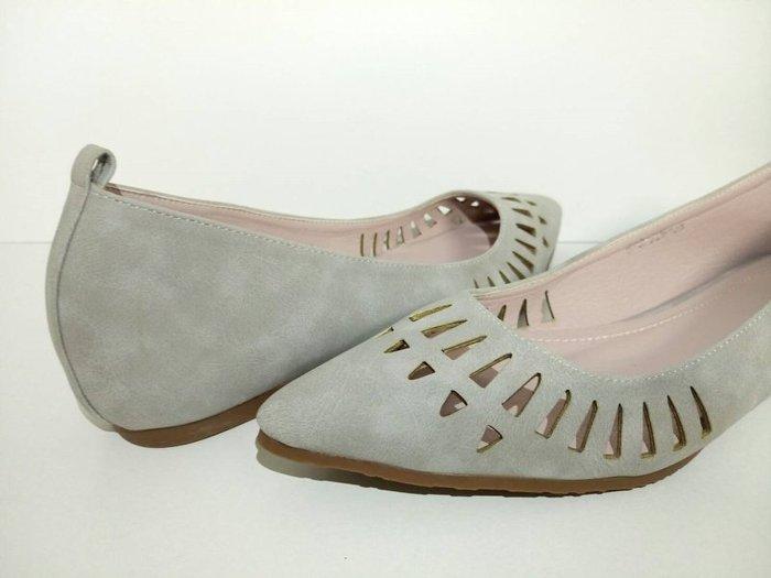 Pyf ♥ 四季百搭 素色內增高 簍空尖頭 舒適軟皮 寬楦平底鞋 42 大 女鞋
