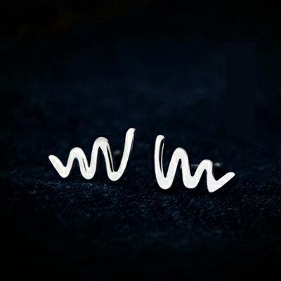 925純銀耳環耳針式耳飾~迷你光面波浪 生日情人節 女飾品73dr69~ ~~米蘭 ~