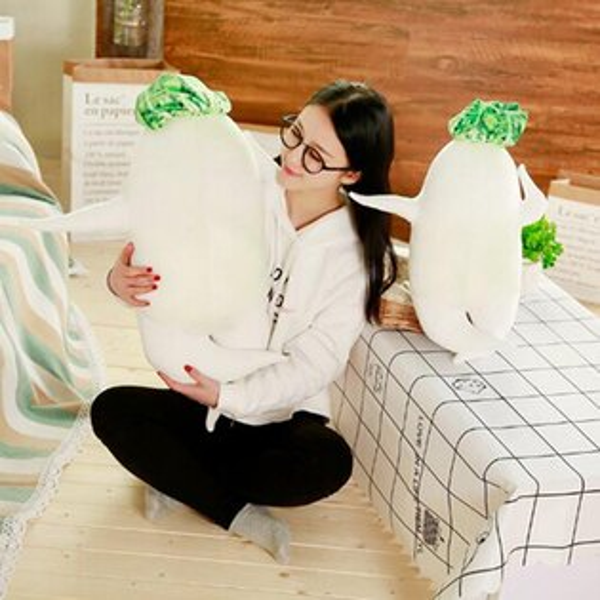 【葉子小舖】白蘿蔔抱枕創意日式性感大根君絨毛玩偶填充玩具搞怪禮物節慶送禮派對禮品辦公室擺設