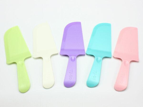 佰勳烘焙包裝材料:蛋糕刀、水果刀、塑膠刀、鋸齒刀、生日蛋糕刀、派對蛋糕、彩色蛋糕刀(1支)