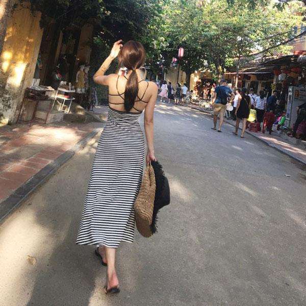 夢幻渲染燒洞洋裝泡泡袖短袖碎花蕾絲緹花顯瘦縮腰木耳邊女神超美氣質粉嫩婚宴彩色韓國ANNAS.