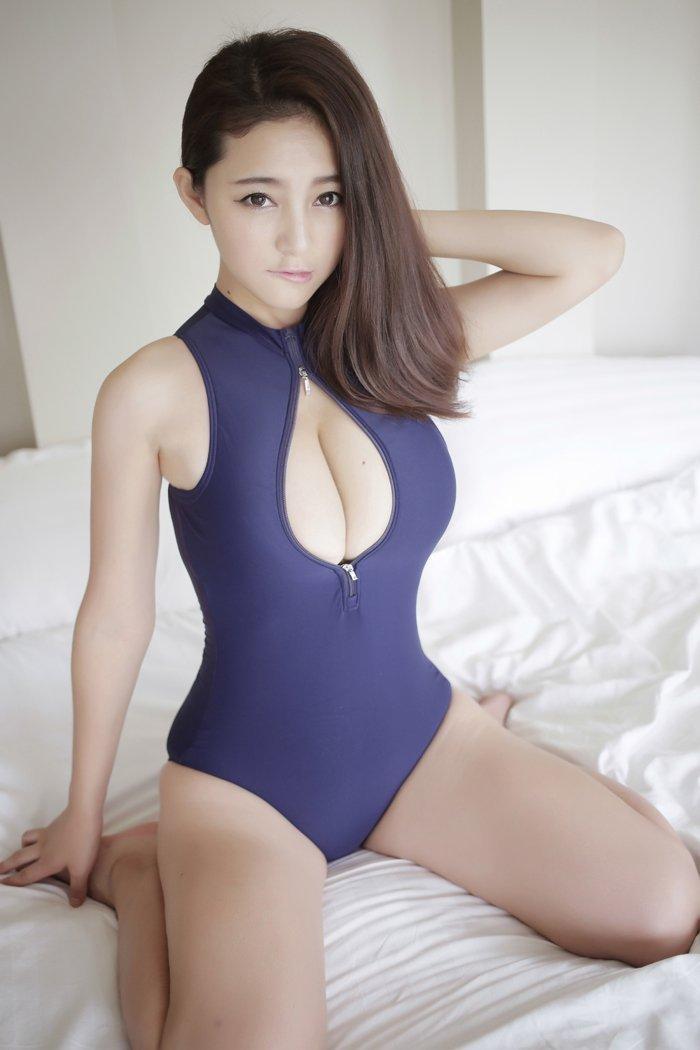 日本AV新款學生緊身衣死庫水兩件式泳衣泳裝拉鍊開口情趣衣 B6108