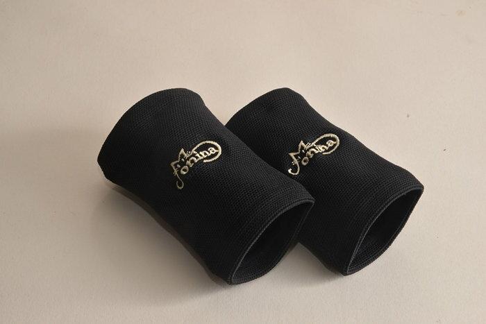 運動保健-護腕(2入)A00101 1