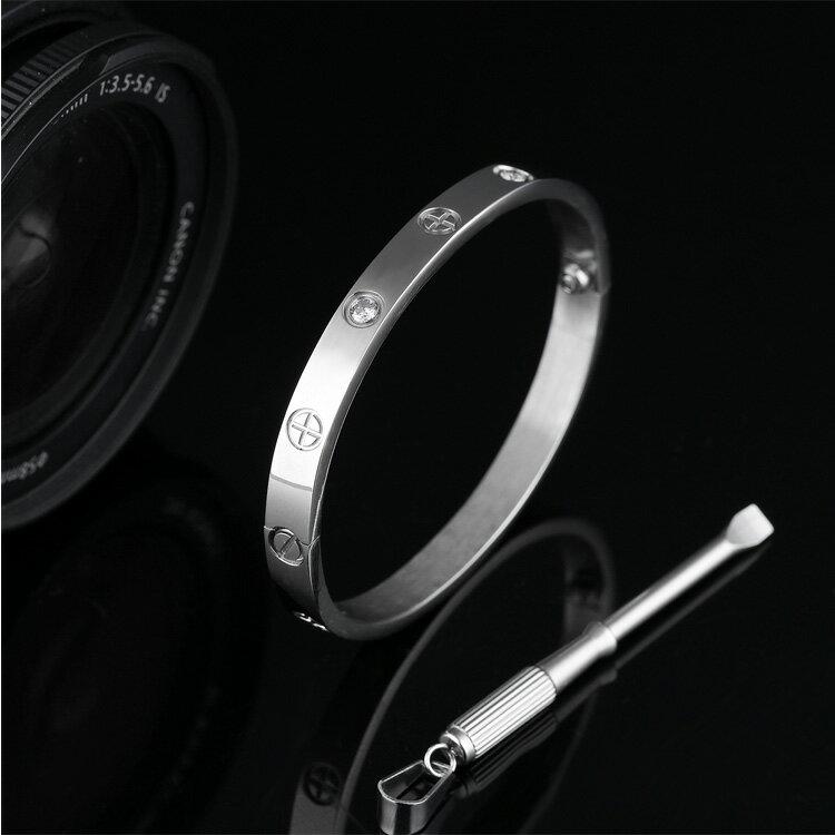 【5折超值價】時尚精美LOVE永恆之環女款鈦鋼手環
