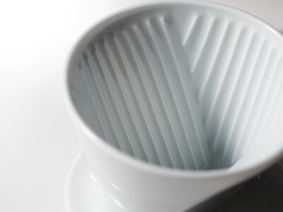Kalita 波佐見燒Hasami 白色陶瓷梯形濾杯 (1-4人份) 咖啡濾杯《vvcafe》 3