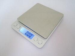 【都易特】電子秤/料理秤/珠寶秤 2公斤 小數點 以下 背光 藍光 精密 微量 手工皂 不挑色 原料