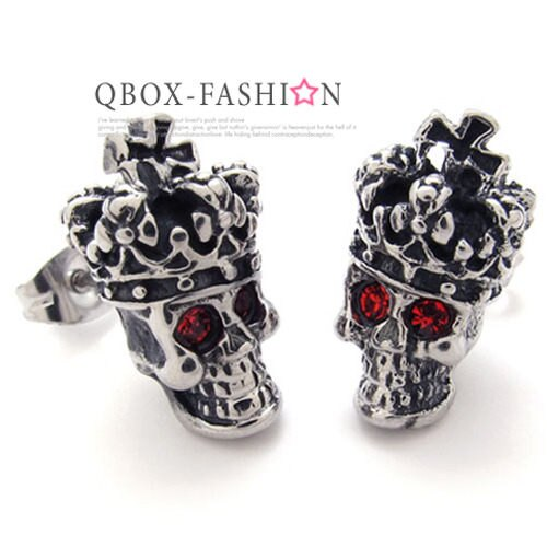 《 QBOX 》FASHION 飾品【W10020351】精緻個性皇冠骷髏頭鑄造插式316L鈦鋼耳環(防過敏)