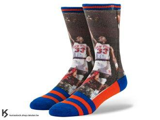 2013 美國加州 襪子 品牌 STANCE SOCKS x NBA 官方授權 NBA LEGENDS 傳奇球星系列 PATRICK EWING 紐約 尼克 正反面滿版印刷 中長筒襪 (M320A13..