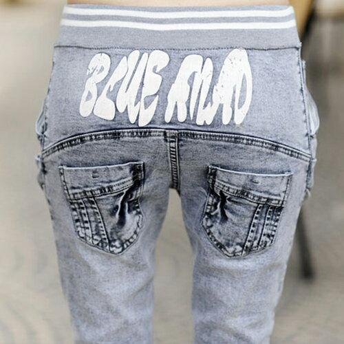 牛仔褲 - 韓版 鬆緊綁帶印花重疊口袋設計哈倫窄管長褲 小腳褲《S~L》藍色巴黎【23273】現貨+預購 2