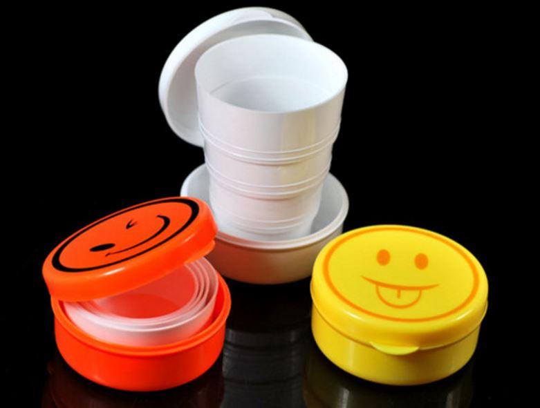 【省錢博士】隨機出貨 / 創意居家可愛折疊杯便攜式水杯 / 笑臉伸縮杯旅行杯 / 壓縮杯子 39元