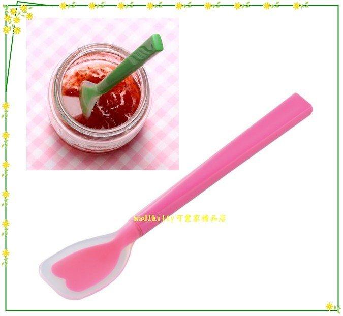 asdfkitty可愛家☆日本CAKELAND粉色小矽膠湯匙-可挖罐頭.抹果醬.當離乳食品湯匙-日本製