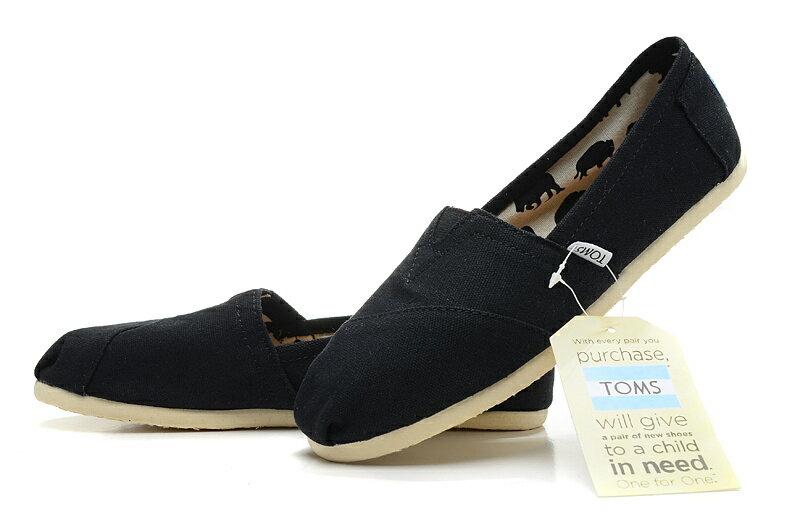 【TOMS】黑色素面基本款休閒鞋  Black Canvas Women's Classics 5