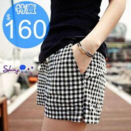 簡約時尚 休閒黑白 鬆緊 短褲 shiny藍格子